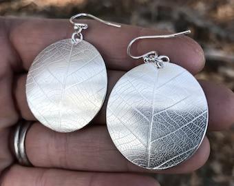 Round Leaf Disc Earrings