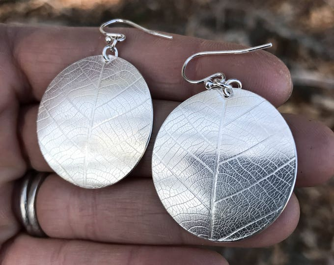 Round Leaf Disc Earrings