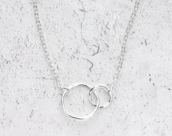 Interlocked Two Circle Necklace