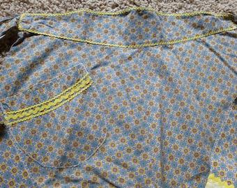 Vintage Handmade Half Apron, Yellow Ric Rac Trim, Front Pocket
