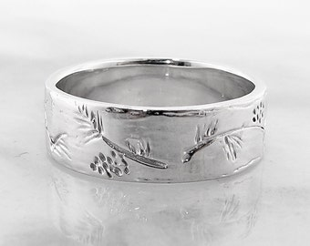 Ponderosa Pine Band, Nature wedding band, Pinecones and pine boughs, tree branch ring