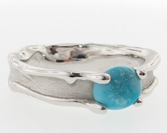 Melted Style Band with Turquoise. Riverbed nature inspired set with sky blue gemstone. Alternative wedding band