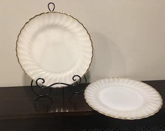 "Anchor Hocking White Swirl with Gold Trim, 10"" Dinnwr Plates, Set of 2"