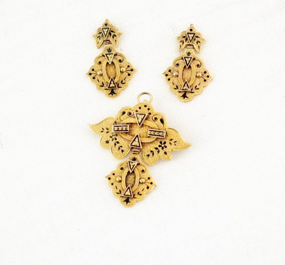 Antique 10k gold Victorian Earrings Pendant Set |