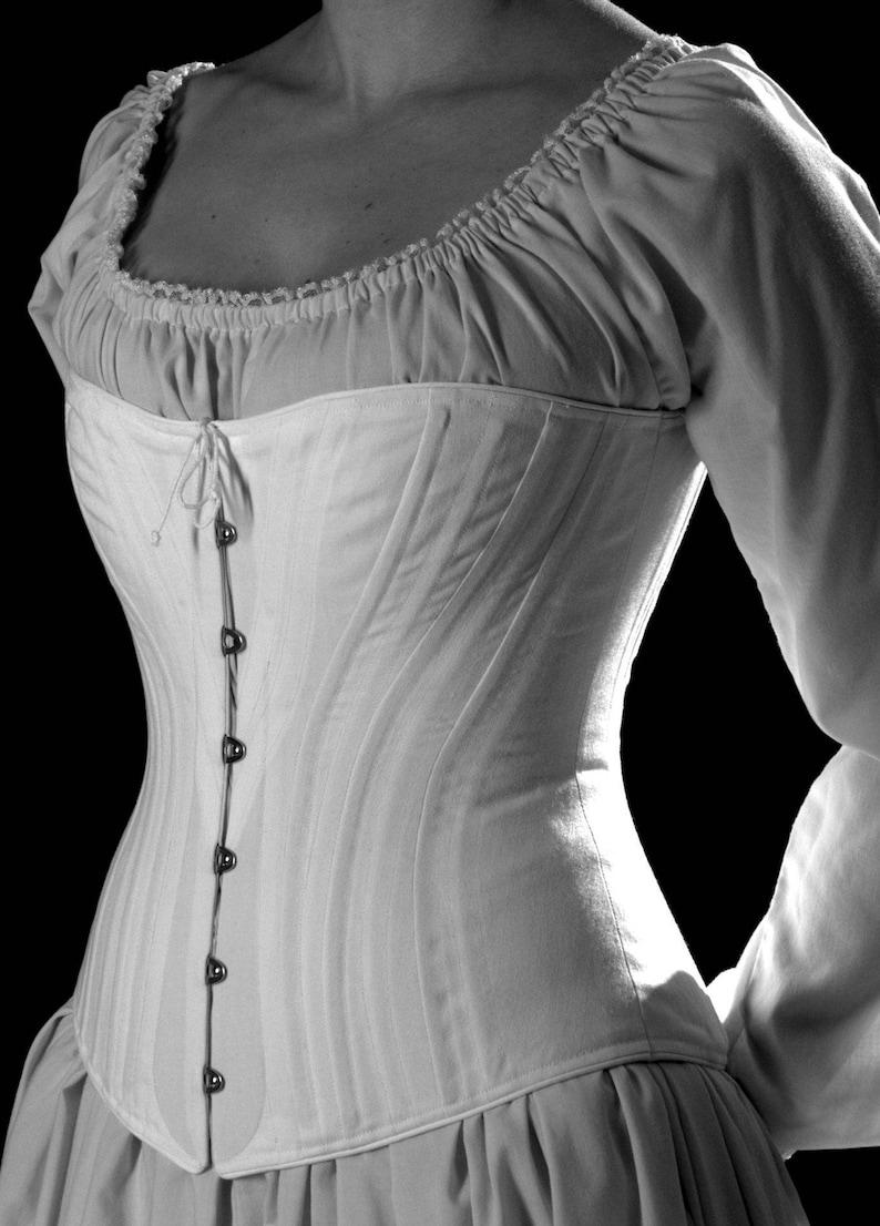 e5296d1f17 1880 Alice Chiusura frontale Cotton image 2; Corset vittoriano c. 1880  Alice Chiusura frontale Cotton image 3 ...