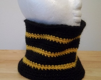 Neckwarmer - Crochet Neckwarmer for Men or Women - Crocheted in Black and Yellow