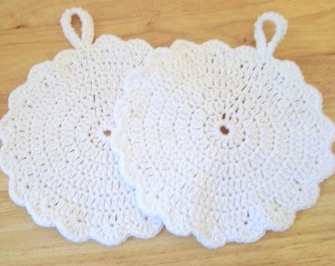 Potholder - Set of Two Crochet Potholder - Round in White - Made of Cotton Yarn