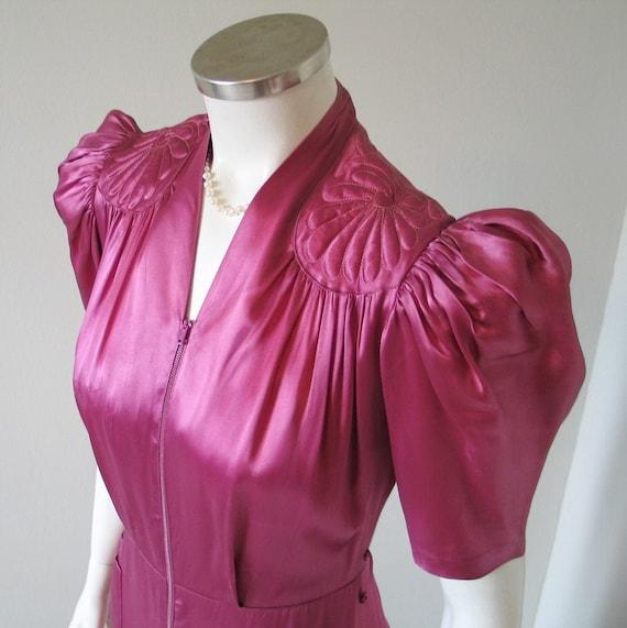 1940s Vintage Raspberry Maroon Pink Satin Lounger