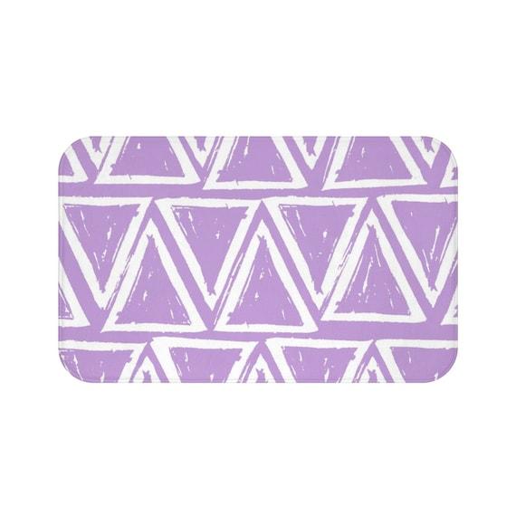 Lavender Bath Mat . Lavender and White Bath Mat  . Triangle Bathroom Rug . Lavender Shower Mat