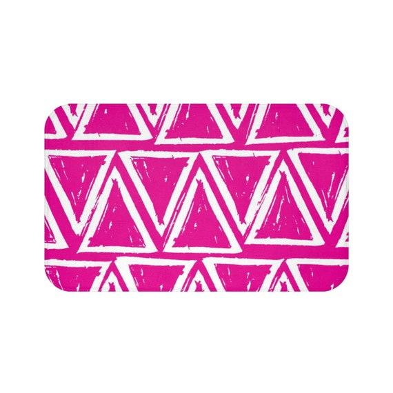 Magenta Bath Mat . Hot Pink and White Bath Mat  . Triangle Bathroom Rug . Pink Shower Mat