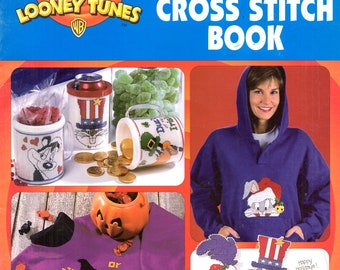 Looney Tune Holiday Trick Tweety Bird Valentine Pepe Le Pew Bugs Bunny Daffy Duck Counted Cross Stitch Embroidery Craft Pattern Leaflet 2999