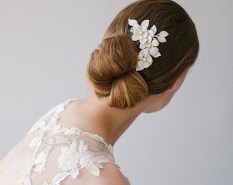 Pearl Beaded Ivory Floral Bridal Hair pin, Ivory Enamel Wedding Bridal Headpiece, Nature Inspired Pearl Beaded Wedding Hair Pin - Style 906