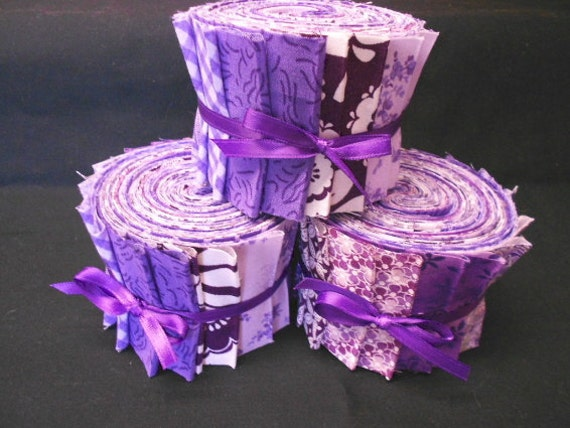 on Red// Free Ship USA 2  1//2 x 42 In//Purlple Floral Die Cut Jelly Roll 10 Pc