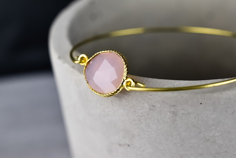 gold plated- Rose quartz bangle
