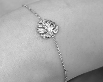 Monstera Leaf Charm - 925 Sterling Silver Bracelet - Tropical Plant Nature Lover Botanical Herb Garden Style Elegant Dainty Cute Jewelry