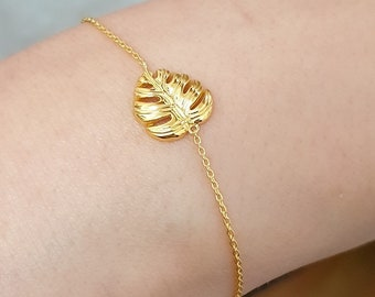 Monstera Leaf Charm - 925 Sterling Gold Plated Bracelet - Tropical Plant Nature Lover Botanical Herb Garden Elegant Dainty Cute Jewelry