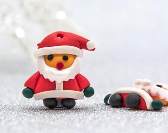 Santa Claus Pendant, 10pcs, 23x25mm, Polymer Clay, Christmas Charms, Red Santa -B2069