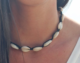 Cowrie Shell Choker,  Beach Necklace, Macrame Necklace, Teen Girls Gift,   Hemp  Jewelry, Surf Jewelry, gift for her