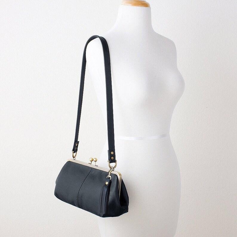Black Leather Kiss Lock Shoulder Bag Kiss Lock Frame image 0
