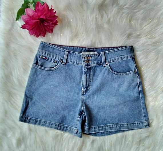 90's Tommy Hilfiger women's shorts (size 7)   Looks   Tommy