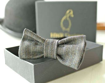 Pinstripe Dog Bow Tie, Dickie Bow Tie for Dogs, Office Dog Bow tie, Charcoal Wool Bow tie