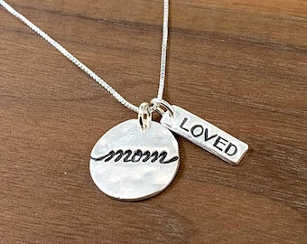 Mom Love Necklace - Mom Gift - Mother's Day Gift
