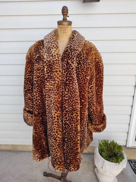 Leopard Faux Fur  Coat / Size Two XL