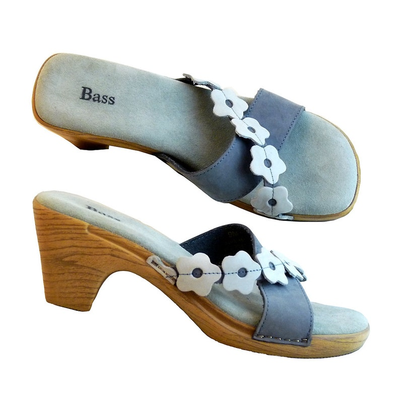 b8c1e169493bb Vintage 90s Blue Suede Sandals w Flowers // Vacation, Resort, Beach Wear //  Women Size 7 1/2 to 8 1/2 US // Fun Style and Comfort by Bass