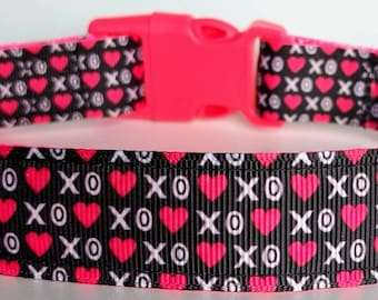 Hugs & Kisses Dog Collar / Valentine's Day Hearts XO Dog Collar