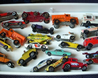 Large Lot of 22 Vintage Hot Wheels and Matchbox Toy Cars Mattel 1970's Lesney England, Kelloggs, Ice Cream Truck Tank Dinosaur, Doozie, More