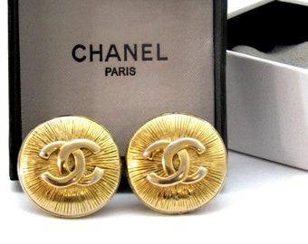 1c30da792139 CHANEL Authentic Vintage CC Logo Round Clip on Earrings 1.25