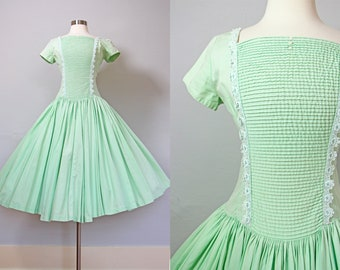 c70c7f37856 1950s Dress - Vintage 50s Dress - Mint Green Cotton Pintucked Circle Skirt  Sundress Size S