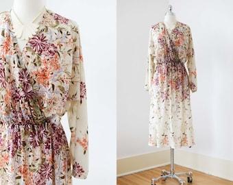 1970s Dress - Vintage 70s Dress - Ethereal Autumn Colors Border Print Floral Batwing Dress Size M to L