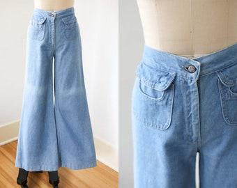 "1970s Bell Bottom Jeans - Vintage 70s Wide Leg Denim Trousers - Elephant Bell Foxmoor Flare Slacks Size S to M W28"""