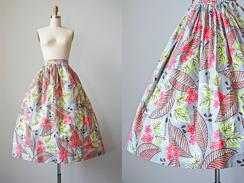 ac4992cabb89 40s Skirt - Vintage 1940s Skirt - Grey Chartreuse Cherry Red Tropical  Floral Leaf Print Cotton Full Skirt Size S to M