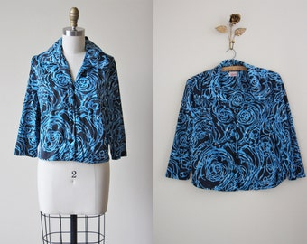 1940s Blouse - Vintage 40s Top - Blue Black Rose Print Jersey w Novelty Rose Buttons Shirt XL XXL - Tornado Rose Blouse