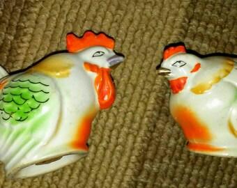 Sale-Vintage Chicken Salt & Pepper Shakers