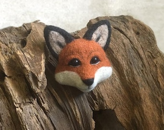 Needle felted fox pin brooch
