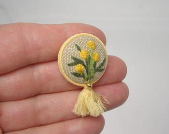 Embroidered patch Dandelion brooch Pin Badge Dandelion wedding Botanical lapel pin Summer wedding