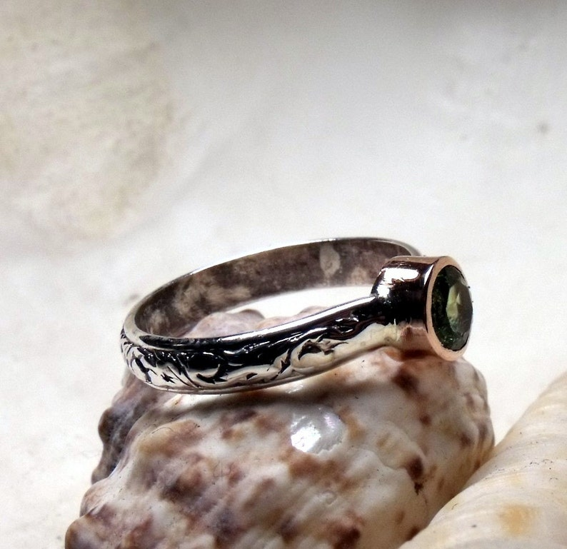 Peridot in Sterling Silver and Copper Ring Solitaire RF052 image 0