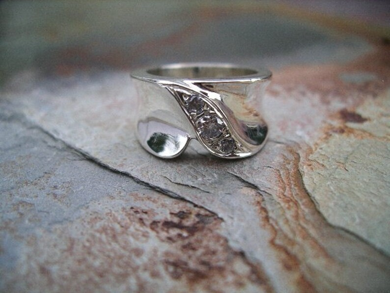 Sterling Silver and Cubic Zirconia Ring RF133 image 0