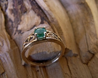 Medium 14K Gold Crow Ring with Chatham Lab Created Emerald Stone RF161
