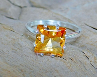 Citrine Solitaire 10 mm Square set in Sterling Silver Ring 8 prongs RF011