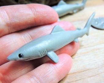 SHARK MINIATURE Gray Reef Sharks Animal Figurines Figures Dollhouse Fairy Garden Diorama Terrarium Supply Mini Sea Creature Miniatures Toy