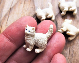 DOLLHOUSE 1:12 Scale ORANGE w//White Paws LOOKING UP Miniature Standing Cat