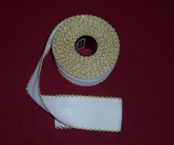 "Zweigart 2/"" White with Silver Scalloped Edge Aida Band 1 metre"