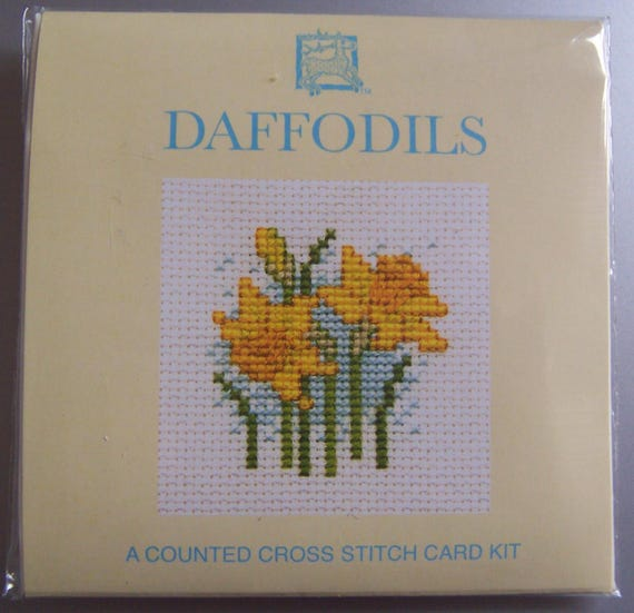 Cross stitch keyring kit Daffodil