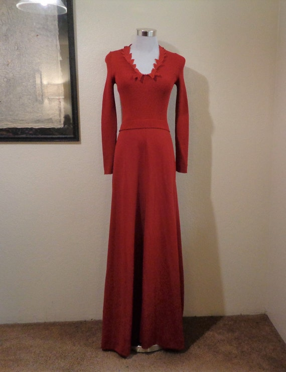 70s Giamo Knits Cranberry Red Leaf Appliqued Neck