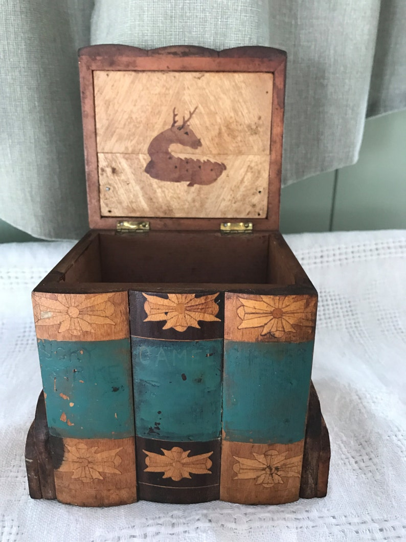 Box Inlaid Cards Cigarettes Antiques