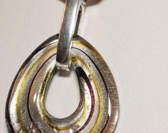 Glass pendant with ribbon